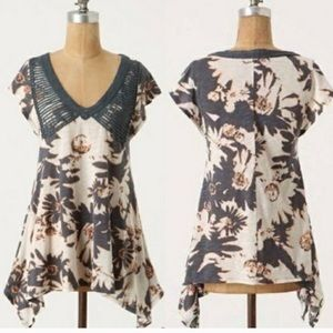 Anthropologie c keer floral asymmetrical T-shirt